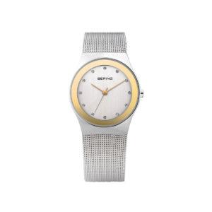 Reloj Bering clásico de mujer con brazalete de malla milanesa de acero plateado.
